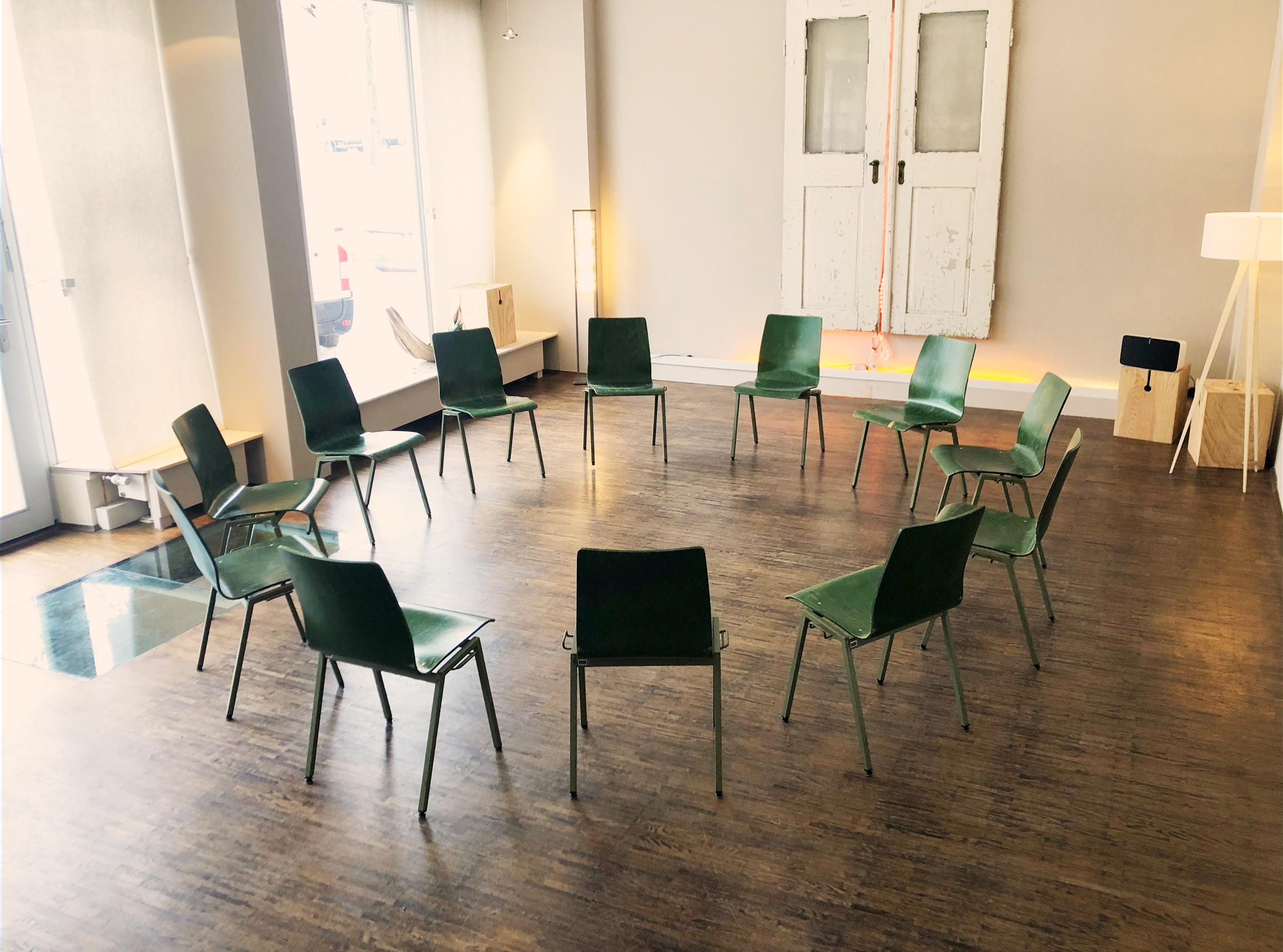 Seminarräume und Tagungsräume mit STUHLKREIS Bestuhlt